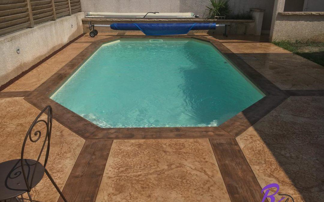 piscine design avec margelle béton à Lentillly 69210 – béton décoratif ROL design
