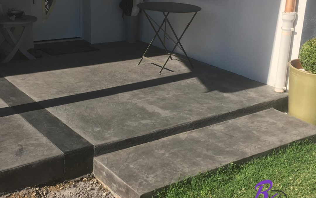 Béton imprimé terrasse gris design à Millery 69390