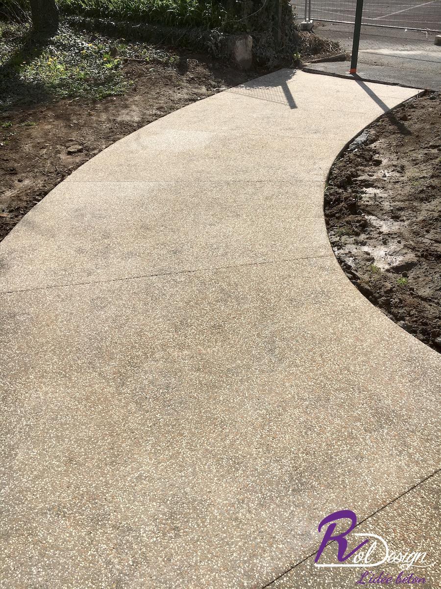 béton décoratif les chères d'un chemin d'accès