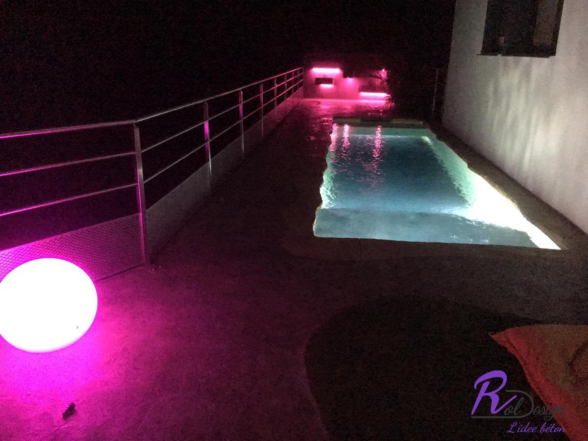 éclairage de piscine design