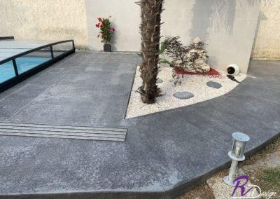 01120 La Boisse béton empreinte imprimé avec margelle ROL design gris