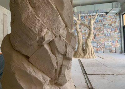 décor béton imitation roche et bois