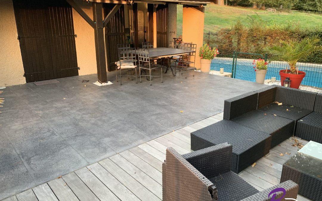Sol de terrasse dalle béton imprimé imitation pierre de Bourgogne 01600 Reyrieux